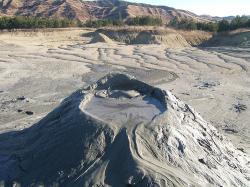 vulcanii noroiosi obiectiv turistic