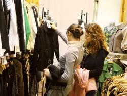 De ast?zi, H&M î?i prime?te hainele vechi, pentru care î?i ofer? un voucher