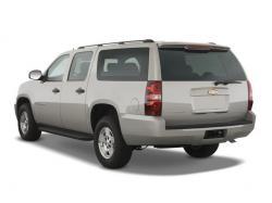 12. Chevrolet suburban 2500 4 WD