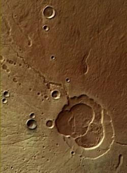 ESA: Relieful de pe Marte, construit de ap? ?i de erup?ii vulcanice