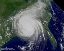 Uraganele ar putea fi botezate dup? nega?ioni?tii schimb?rilor climatice