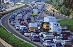 CE vrea reducerea cu 30% a emisiilor de CO2 ale camioanelor