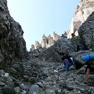 Dinozaurii pitici ai Transilvaniei, in… vacanta pe litoral