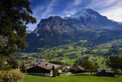 Romsilva vrea ca hotelurile şi restaurantele de la munte să plătească taxă de mediu de 2% din venit