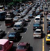 Parlamentul European ia masuri impotriva poluarii fonice, propunand reducerea zgomotului permis pentru autoturisme