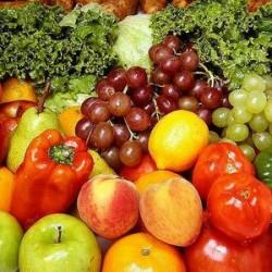 Sp?larea fructelor de pesticide