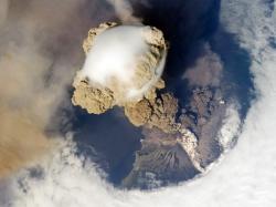 Eruptia vulcanului Saricev