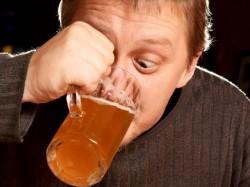 Tratament ce reduce cu aproape 60% consumul de alcool, aprobat de Agen?ia Europeana pentru Medicamente