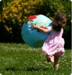 Copiii au dezlegat ghicitori ecologice, alaturi de mame - Mici, dar responsabili!