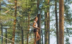 hotelul din copac