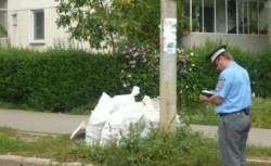 Polițiștii i-au sancționat pe cei care au lăsat gunoiul în spațiul public