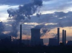 Agentia Internationala pentru Energie: Emisiile de CO2, in stagnare