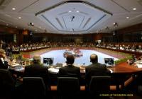 Expertii legali ataca propunerea Comisiei de a permite statelor membre sa decida asupra cultivarii de OMG