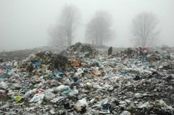 Autorizatii prelungite pentru groapa de gunoi a Romanului