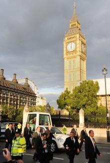 Străzile londoneze au fost stropite cu un spray pentru a reduce poluarea