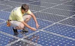 Fabric? de panouri fotovoltaice, la Giurgiu