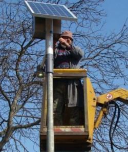 Primaria vrea strazi iluminate cu energie solara