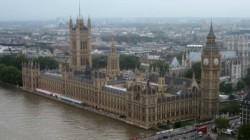 Autorităţile din Londra lipesc praful de asflat, pentru a reduce poluarea