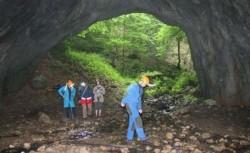Peşterile din Munţii Pădurea Craiului vor fi incluse într-un traseu turistic