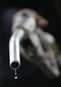 Liberalul Boeriu isi vede uzurpata de Guvern propunerea de 1 ban/litrul de benzina pentru Mediu