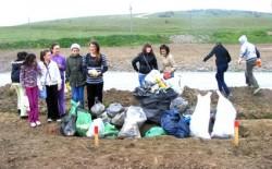"""Pentru un mediu mai curat, Elevii Scolii """"Nifon Balasescu"""" au purces la ecologizarea zonei Bididia"""