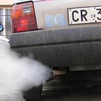 Reglemetarile UE privind emisiile de dioxid de carbon lovesc sub centura industria auto de lux
