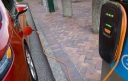 SUA: O companie a lansat încărcătoare solare pentru vehicule electrice