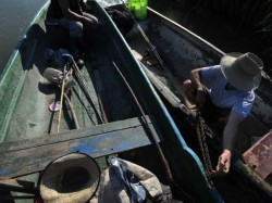Braconajul sălbatic cu plase chinezeşti şi curent electric lasă Delta Dunării fără peşte