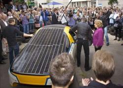 AMsina care merge in jurul lumii folosind numai energie solara