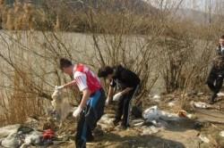 Peste 600 de saci de deşeuri, pescuţi de pe râurile Şieu, Budac şi Bistriţa