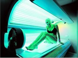 OMS: Razele ultraviolete din cabinele de bronzat sunt cancerigene
