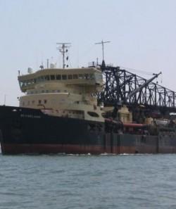 Apel la responsabilitate pentru autorit??i în decontaminarea navei Flaminia