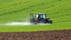 Studiu: Erbicidele cauzeaza depresie fermierilor care le folosesc