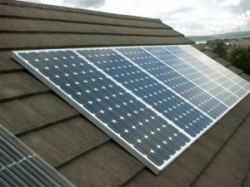 EJ: Vanzarea de electricitate provenita de la panourile solare este o activitate economica