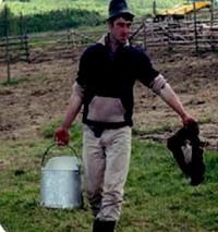 Tradiţii şi natură, o afacere de succes: Povestea unui fermier căruia păstoritul îi dă putere