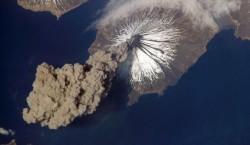 O erupţie de proporţii ne-ar putea lăsa fără stratul de ozon