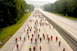 Noul Cod Rutier care a intrat în vigoare pe 19 ianuarie aduce noutăţi şi pentru biciclişti