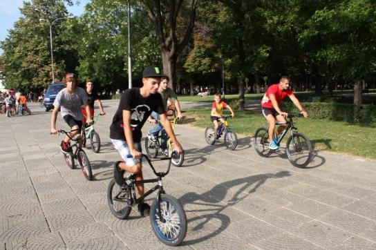 3000 de bicicli?ti protesteaz? sâmb?t? în Bucure?ti de la ora 13:00, în Parcul Carol