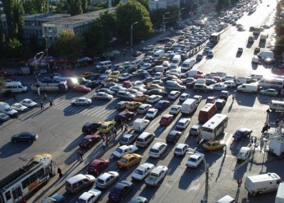 Masurile pentru reducerea poluarii fonice din Cluj: geamuri mai bune, city bus si tarife mari de parcare in zona aglomerata
