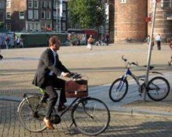 Cum sa folosesti bicicleta pana la locul de munca