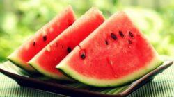 Semintele din pepenele rosu contin zinc, fier, omega 6, proteine si fibre care se absorb usor