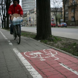 ONG-uri, c?tre comisarul european pentru Mediu: Nu exist? infrastructur? pentru bicicli?ti în Capital?