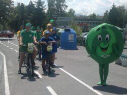 Elevii şi profesorii, implicaţi într-o campanie de colectare selectivă şi de reciclare a deşeurilor