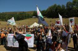 """Acţiunea """"Vrem un vot fără cianură!"""" atrage atenţia opiniei publice privitor la pericolele iminente care planează asupra naturii şi mediului în România"""