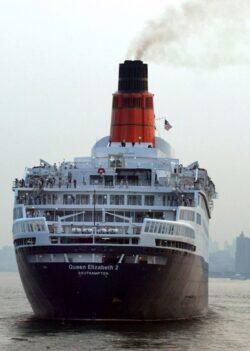 Reguli mai stricte privind continutul de sulf al combustibililor folositi de vapoare
