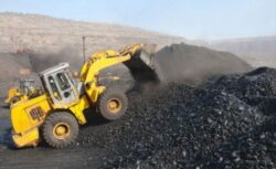 Centralele pe carbune au primit subventii de patru ori mai mari decat regenerabilele