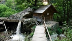 Ecoturism in rezervatiile naturale Izbucul Bigar si Cheile Rudariei