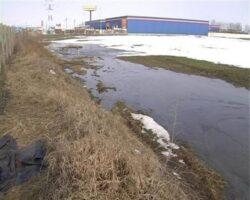 Teren poluat cu petrol