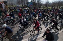 Mii de biciclisti au participat la un mars de protest in Capitala