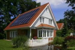 Persoanele fizice vor beneficia de subventii daca isi instaleaza mici unitati de productie de energie regenerabila